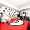 Dormire nella suite di Pokemon e di Barbie